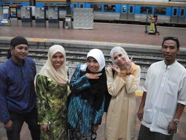 http://www.kapasitor.net/images/iftar2009/7418_125577299004_583434004_2541820_2127533_n.jpg